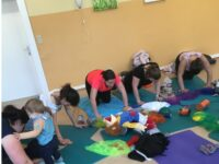 Workout für Mamas mit Baby (postnatales Training)